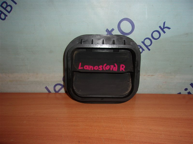 Клапан вентиляции крыла Chevrolet Lanos T100 A15SMS 2007 правый