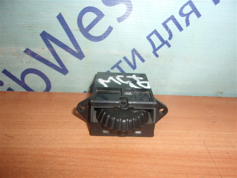 Кнопка корректора фар Toyota Avalon MCX10