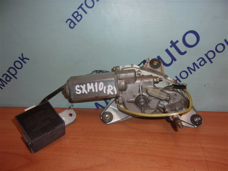 Моторчик заднего дворника Toyota Ipsum SXM10