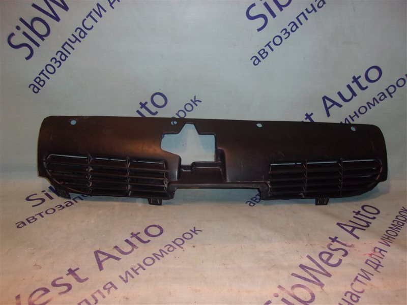 Решетка радиатора Peugeot 206 TU3JP1.4L 2002