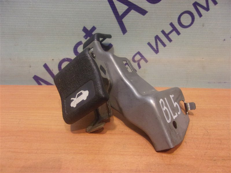 Ручка открытия капота Subaru Legacy B4 BL5