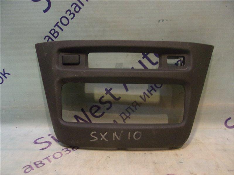 Консоль магнитофона Toyota Nadia SXN10