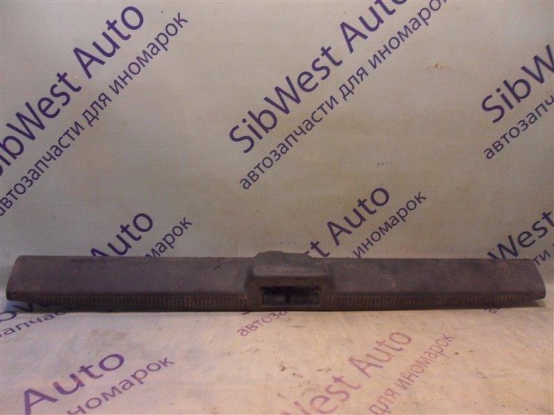 Накладка замка багажника Hyundai Sonata Ii Y3 4GCP 1993 - 1996