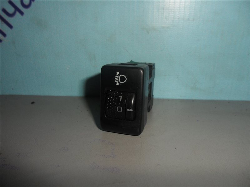 Кнопка корректора фар Subaru Forester SG5 EJ202 2002