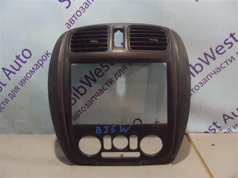 Консоль магнитофона Mazda Familia BJ5W ZL-DE 31.08.2000