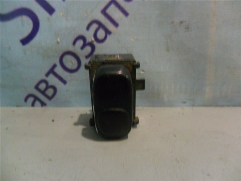 Кнопка стеклоподъемника Nissan Laurel SC33 RD28 1991 передняя правая