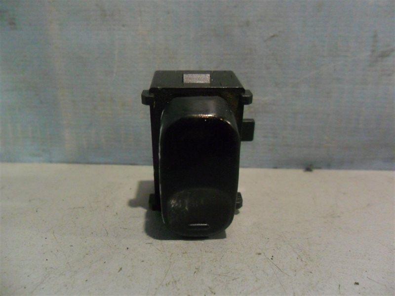 Кнопка стеклоподъемника Nissan Laurel SC33 RD28 1991 задняя правая