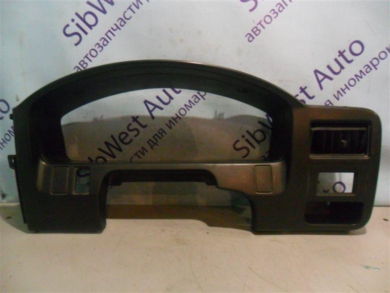 Консоль под щиток приборов Nissan Ad VFY10 GA15DS 1991