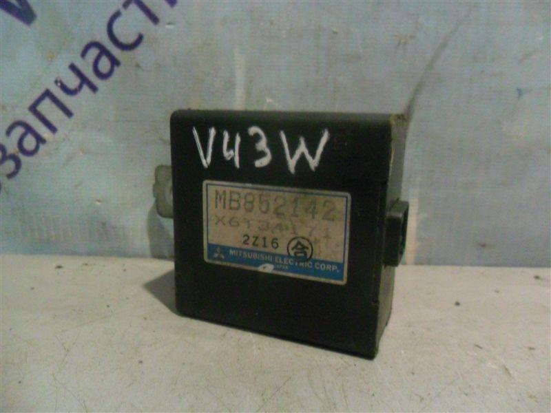 Блок управления зеркалами Mitsubishi Pajero V43W 6G72 1994