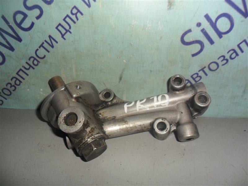 Крепление масляного фильтра Nissan Presea PR10 SR18DI 1991