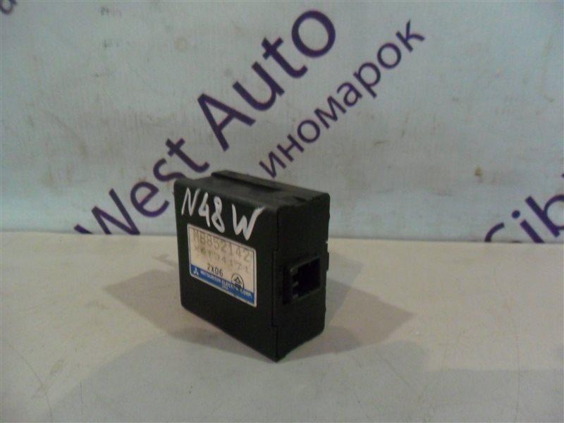 Блок управления зеркалами Mitsubishi Chariot N48W 4D68 1992
