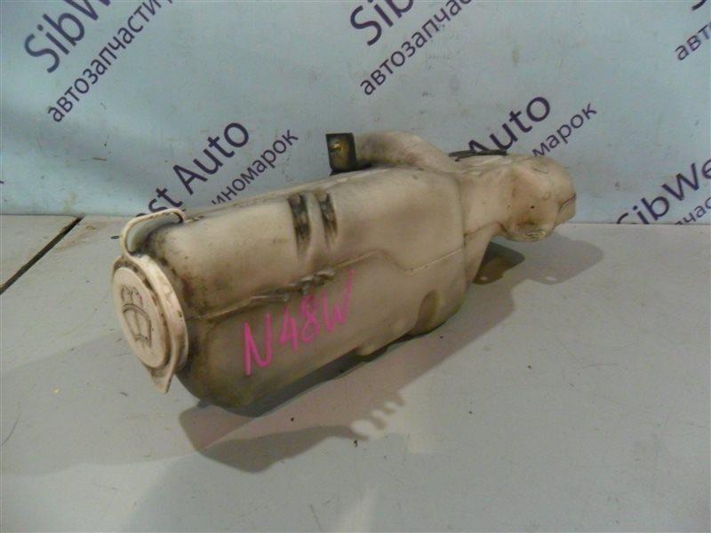 Бачок стеклоомывателя Mitsubishi Chariot N48W 4D68 1992