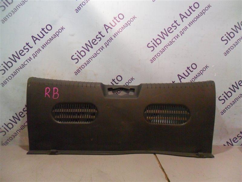 Накладка замка багажника Hyundai Solaris RB G4FA 2012 задняя