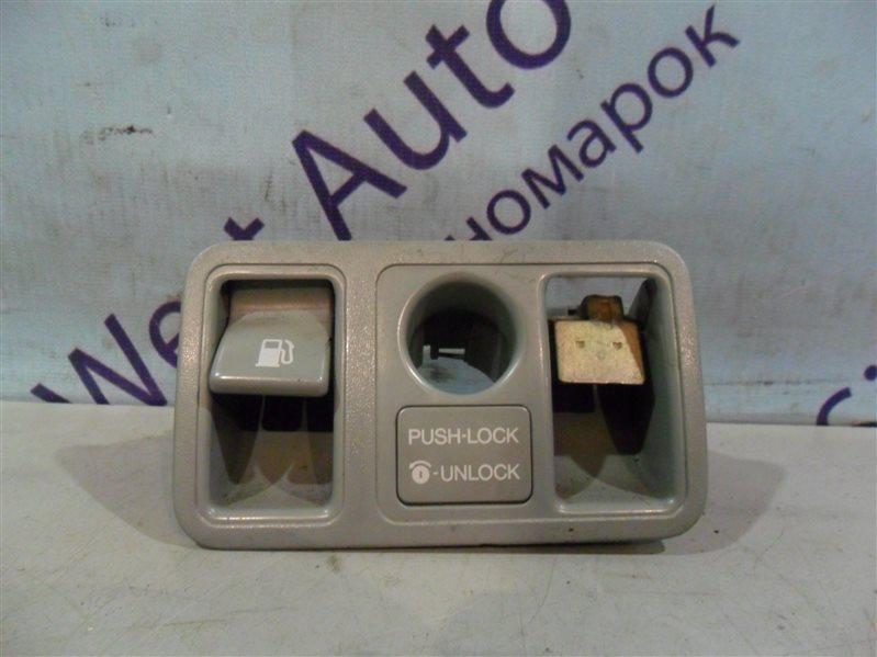 Кнопка открывания багажника Toyota Aristo JZS147 2JZGE 1996
