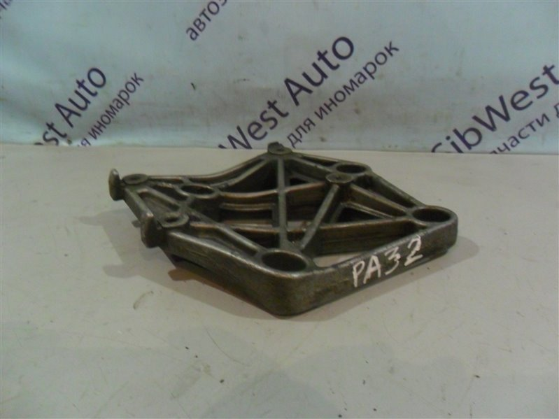 Крепление кондиционера Nissan Cefiro PA32 VQ25DE 1995