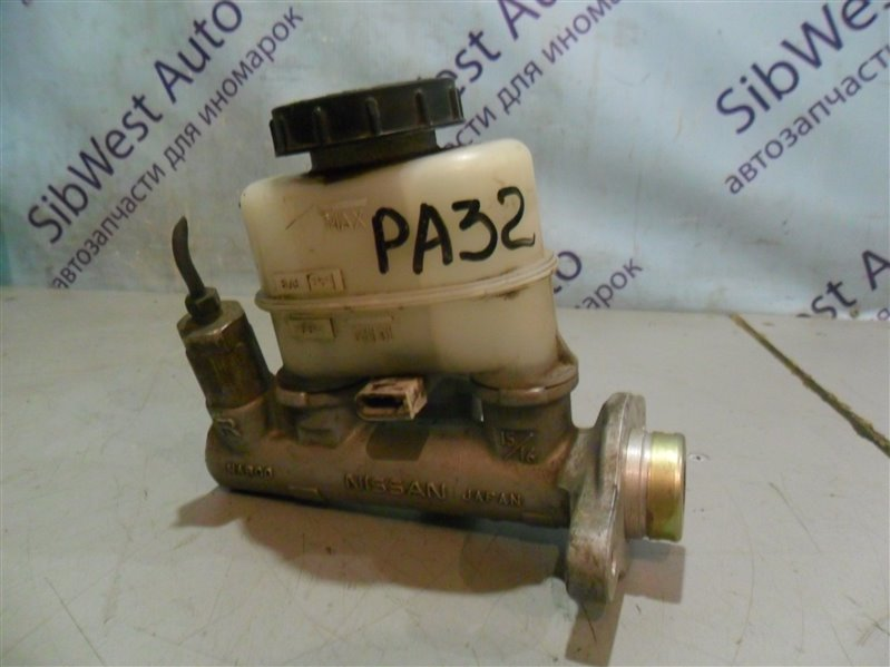 Главный тормозной цилиндр Nissan Cefiro PA32 VQ25DE 1995