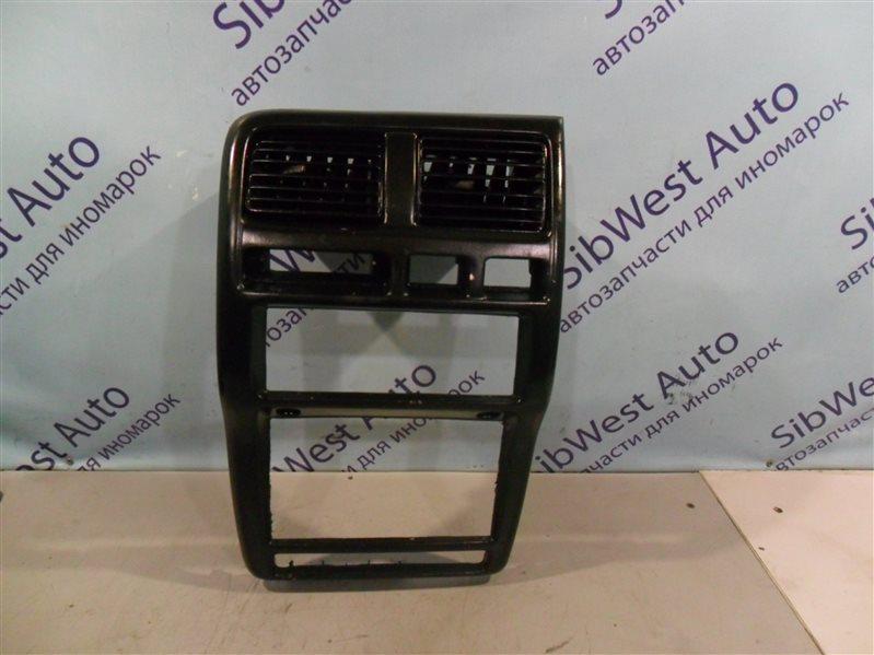 Консоль магнитофона Nissan Pulsar SN15 CD20 1996