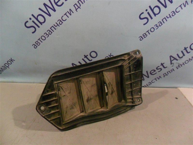 Клапан вентиляции крыла Toyota Marino AE101 4A-FE 1993 задний левый