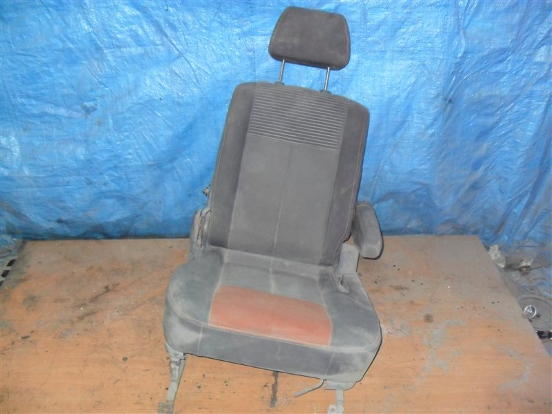 Сидение Suzuki Escudo TA01W G16A 1991 переднее правое