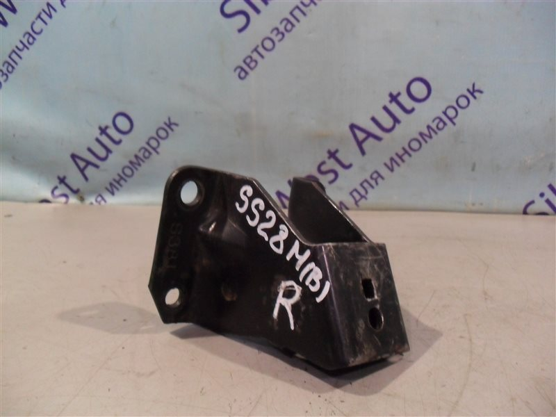 Кронштейн опоры двигателя Mazda Bongo SS28M R2 правый