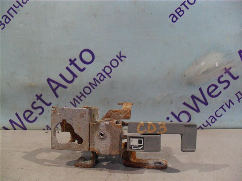 Ручка открывания бензобака Honda Accord CD3 F18B 1995