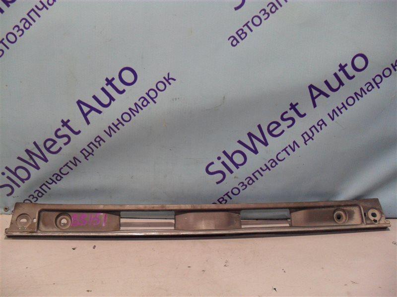 Накладка на багажник Toyota Crown GS151 1GFE 1997 задняя