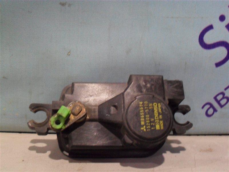 Электропривод замка двери Mitsubishi Chariot N48W 4D68 1994 передний правый