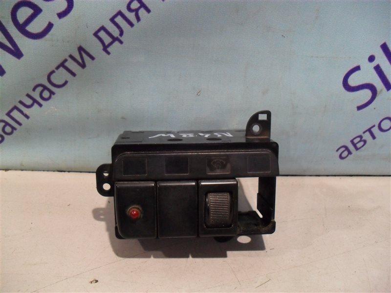 Кнопка корректора фар Mitsubishi Chariot N48W 4D68 1994