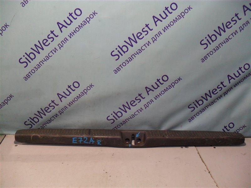 Накладка замка багажника Mitsubishi Galant E72A 4G93 1993