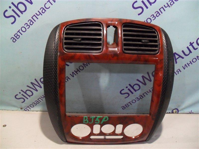 Консоль магнитофона Mazda Familia BJ5P ZL 2001