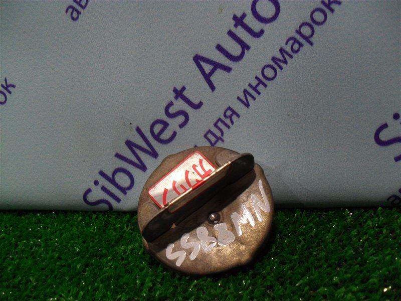 Крышка бензобака Nissan Vanette SS88MN F8 1997