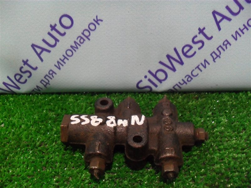 Распределитель тормозной Nissan Vanette SS88MN F8 1997