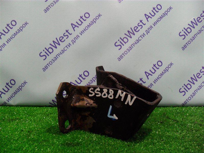 Кронштейн опоры двигателя Nissan Vanette SS88MN F8 1997 левый