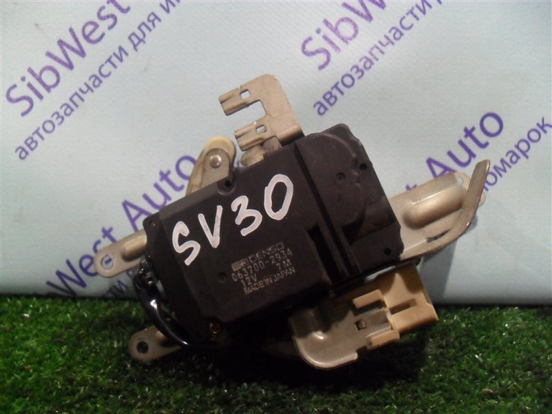 Сервопривод заслонок печки Toyota Vista SV30 4S-FE 1992