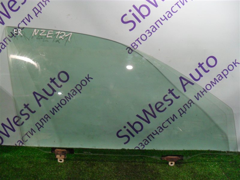 Стекло двери Toyota Corolla NZE124 1NZFE 2007 переднее правое
