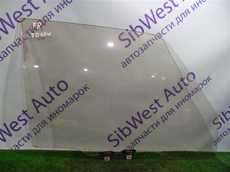 Стекло двери Suzuki Escudo TD01W G16A 1993 переднее правое