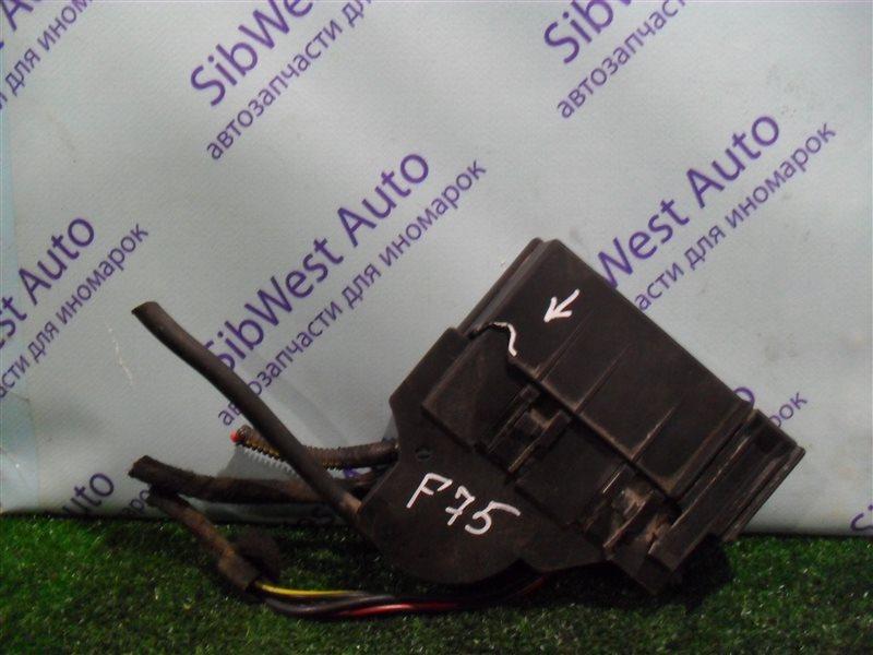 Блок предохранителей Opel Zafira F75 Z22SE 2001