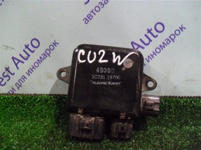 Блок управления вентилятором Mitsubishi Airtrek CU2W 4G63 2001
