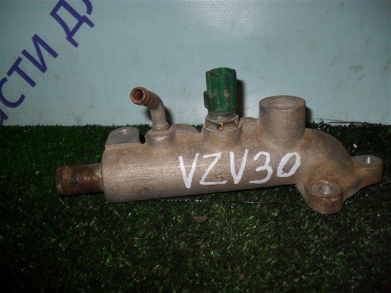 Тройник системы охлождения Toyota Camry Prominent VZV30 1VZ-FE 1991