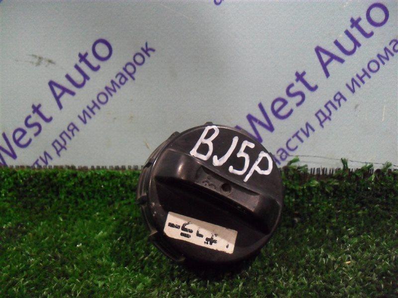 Крышка бензобака Mazda Familia BJ5P ZL 2003