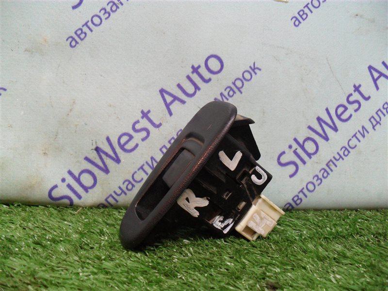 Кнопка стеклоподъемника Nissan Bluebird SU14 CD20 1999 задняя левая