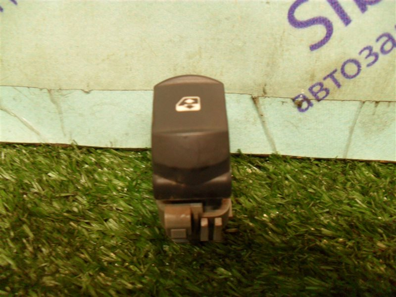 Кнопка стеклоподъемника Renault Megane 2 LM2Y K4M 2008 передняя правая
