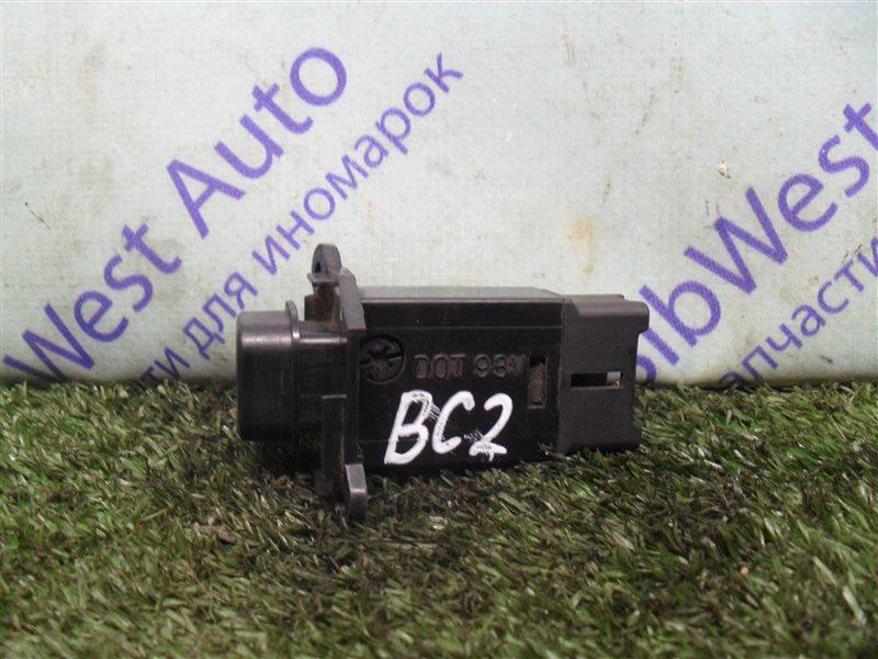 Кнопка аварийной сигнализации Subaru Legacy BC2 EJ18S 1991