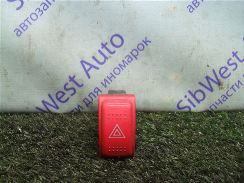 Кнопка аварийной сигнализации Honda Fit GD1 L13A 2001