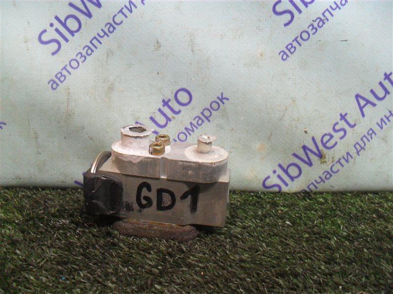 Клапан кондиционера Honda Fit GD1 L13A 2001