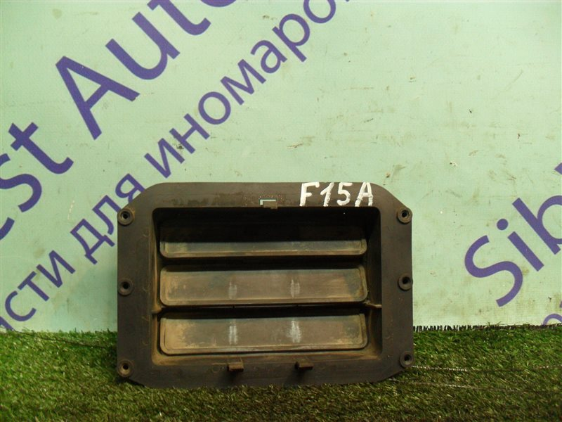 Клапан вентиляции крыла Mitsubishi Diamante F15A 6G73 1992 задний левый