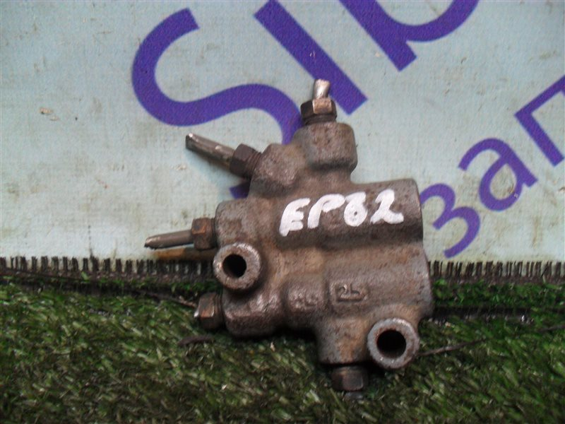Распределитель тормозной Toyota Starlet EP82 4E-F 1991