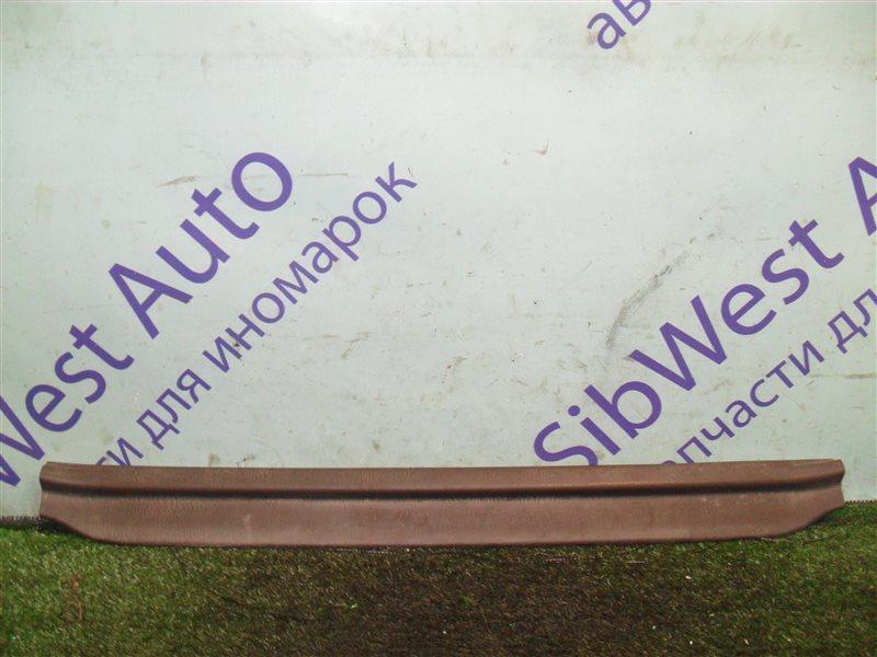 Порожек пластиковый Toyota Starlet EP82 4E-F 1991 передний правый