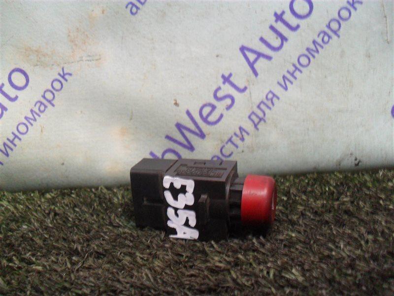 Кнопка аварийной сигнализации Mitsubishi Eterna E35A 4G67 1990
