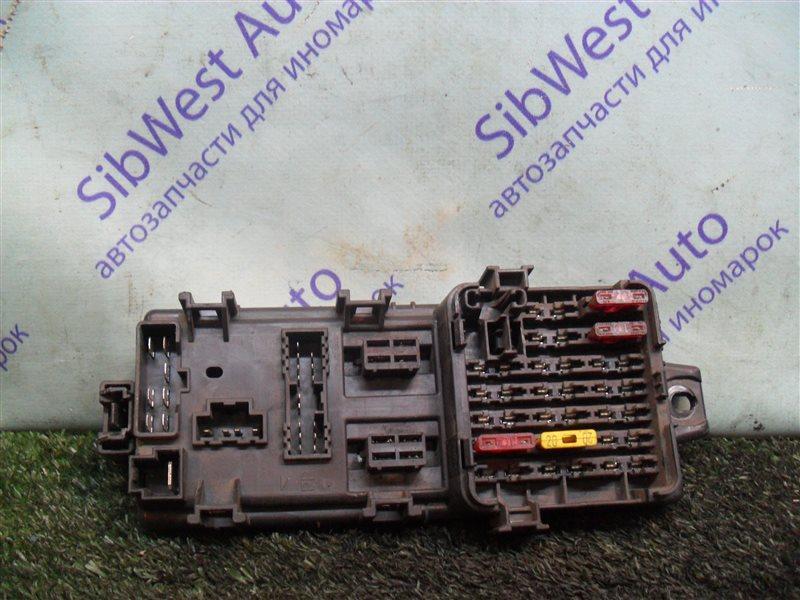 Блок предохранителей Mitsubishi Eterna E35A 4G67 1990